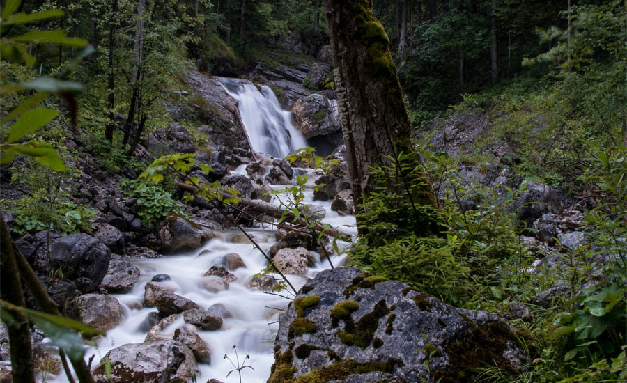 Kreativ Fotografie DIY Buch Philosophie Blog Maloutainment - Tipps fuer Anfanger Fortgeschrittene Wasserfaelle Bayern Langzeitbelichtung Natur Wasser fotografieren